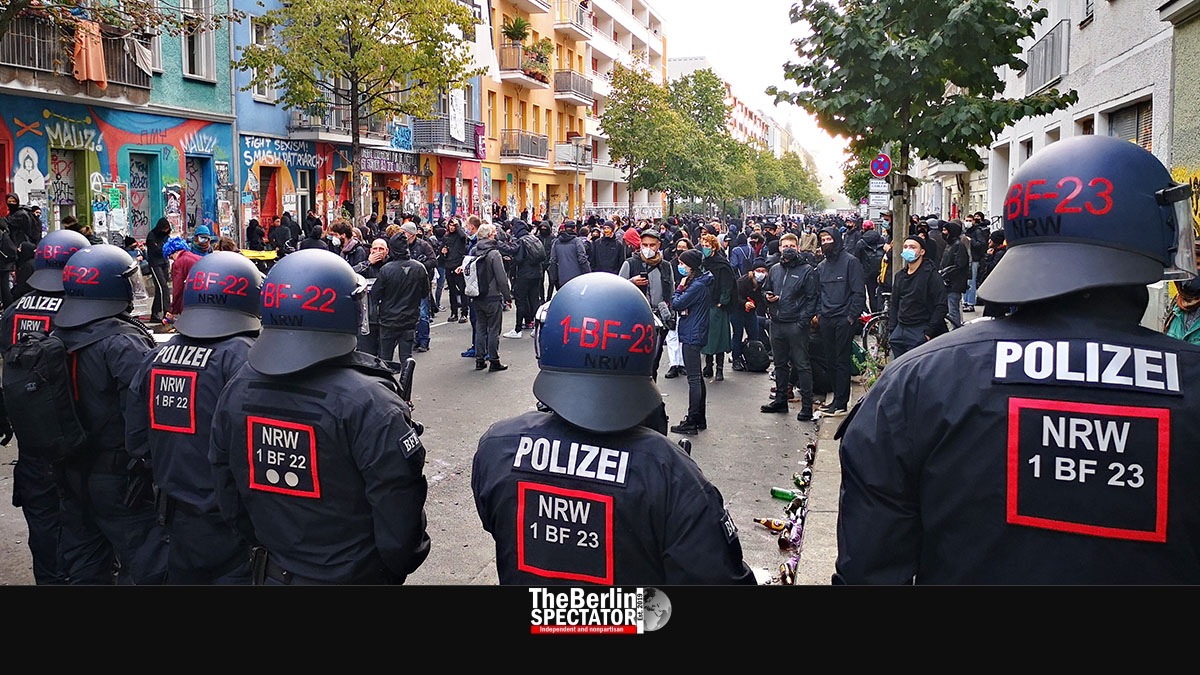 Germany: Berlin Police Evacuate Illegally Occupied Apartment Building – The  Berlin Spectator