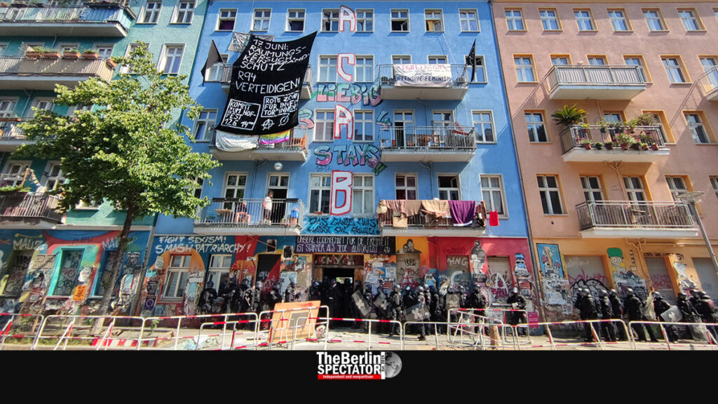 Berlin: Police Raid Apartment Building Partially Occupied by Squatters